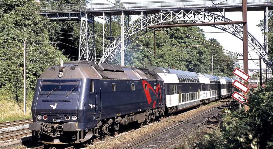 DSB Me-lokomotiv med dobbeltdækker regionaltog.