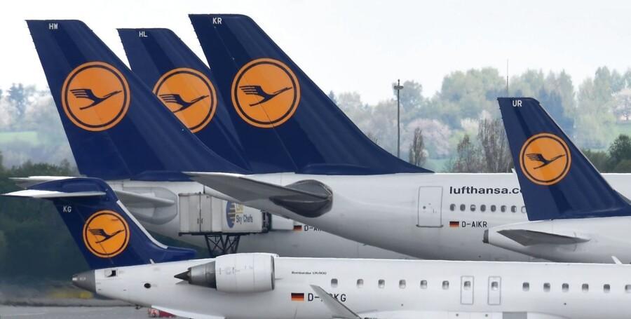 Lufthansas piloters fagforening meddeler fredag, at de afviser luftfartsselskabets seneste lønudspil. AFP PHOTO / CHRISTOF STACHE