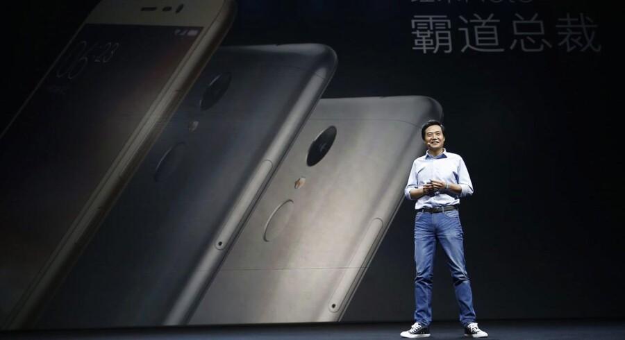 Lei Jun, topchef for den kinesiske mobilgigant Xiaomi, sælger stadig millioner af telefoner men ikke i den grad, som han selv havde ønsket det. Arkivfoto: Wu Hong, EPA/Scanpix