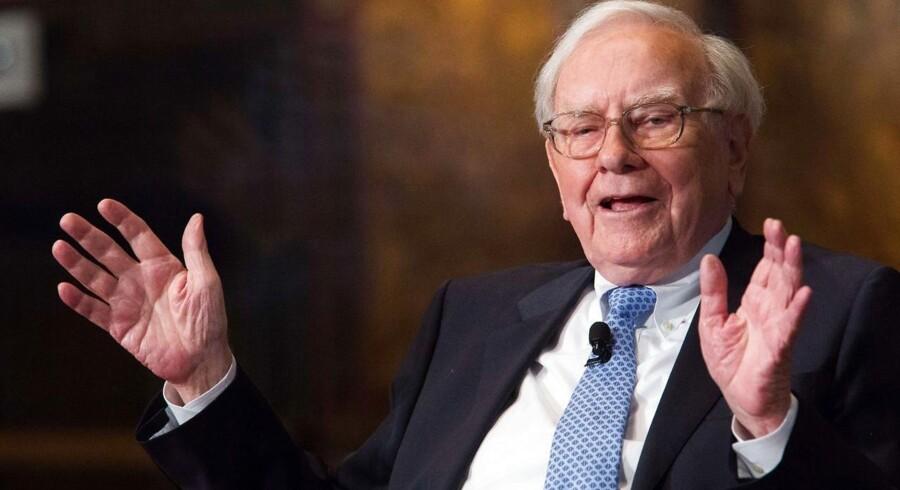 Warren Buffett, der er en af verdens mest velhavende mænd, er kendt for sin snu og langsigtede investeringsstrategi.