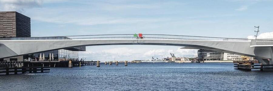 Inderhavnsbroen mellem Havnegade og Nordatlantens Brygge kan i øjeblikket ikke åbne.