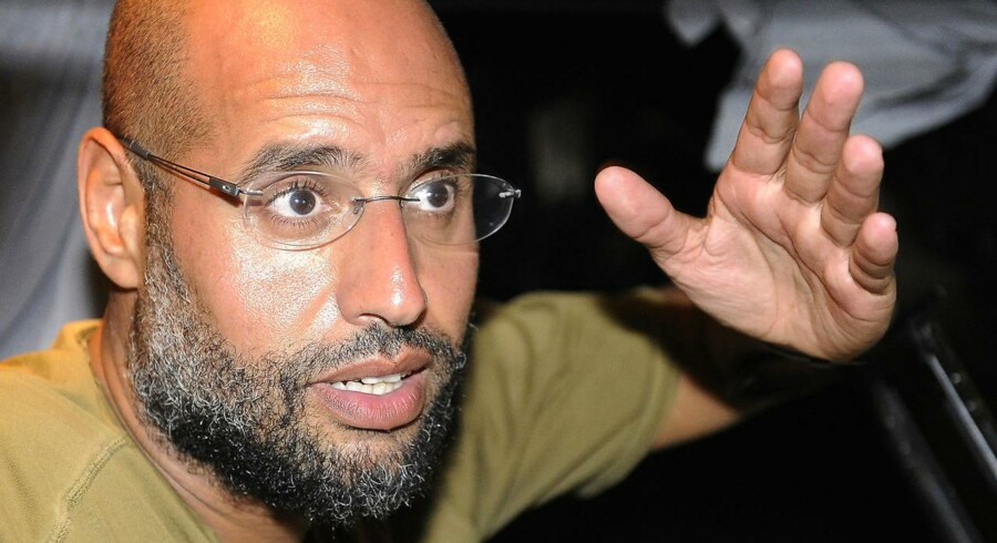 Gaddafis søn Saif Al-Islam er anholdt i det sydlige Libyen, oplyser overgangsrådets justitsminister.