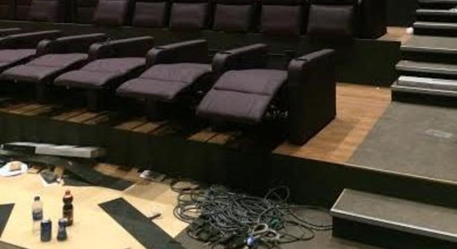 Biografen i Herlev er i øjeblikket ved at blive udstyret med sæder.