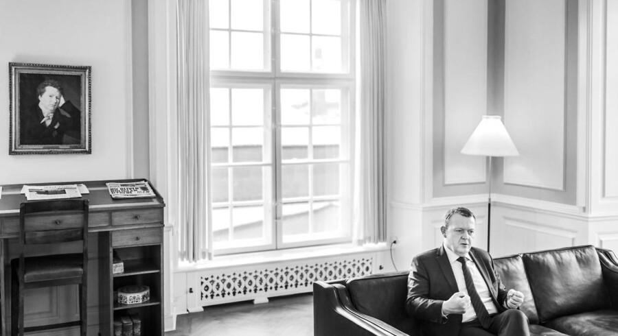 Virksomheder, der efter statsministerens udsagn udviser »samfundssind« og ansætter en flygtning, skal have en kontant bonus på op til 40.000 kr. om året. Det mener Statsminister Lars Løkke Rasmussen.