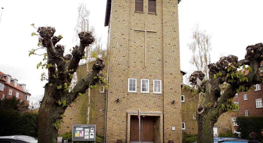 Aalholm Kirke i Valby er en af de københavnske kirker, der kan ende med at blive lukket.