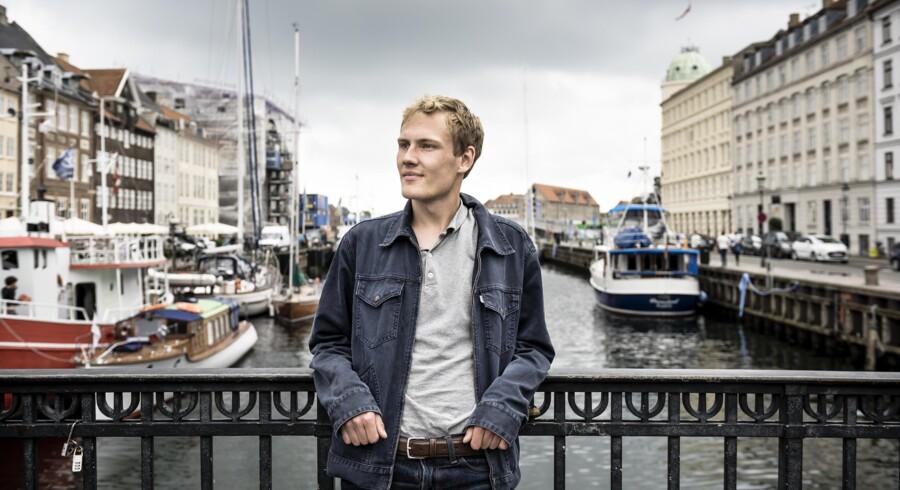 Oskar Kretzschmar har siden april uden held søgt bolig i København. De fleste er ganske enkelt for dyre for ham. Foto: Thomas Lekfeldt