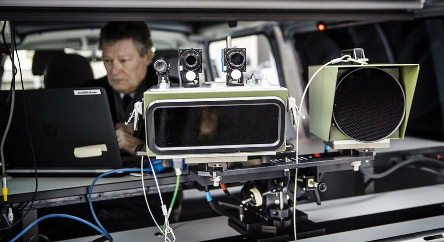 Politiet råder over i alt 100 fotovogne. I 2015 udskrev de tilsammen fartbøder for over en halv milliard kroner.