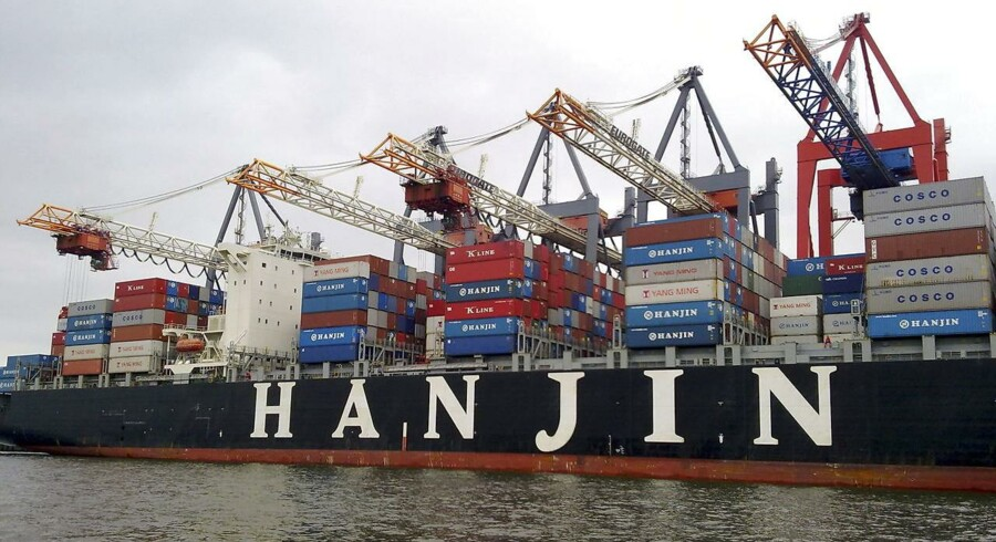 Betalingsstandsningen i Hanjin, som der nu forsøges en rekonstruktion af, har fået afskibere til at frygte for deres varer, havne har afvist Hanjin-skibe, og flere af rederiets skibe er taget i arrest.