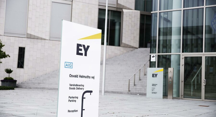 Hellerup Finans fundet sig en ny revisor efter BDOs opsigtsvækkende exit. Men først efter en ekstraordinær generalforsamling tirsdag kunne det omstridte investeringsselskab offentliggøre navnet på sin nye revisor, nemlig EY.