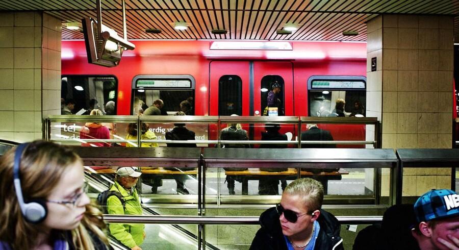 Siden nytår har det været fuldt ud lovligt at indtage »moderate mængder« alkohol i alle DSBs tog samt på stationer og perroner.