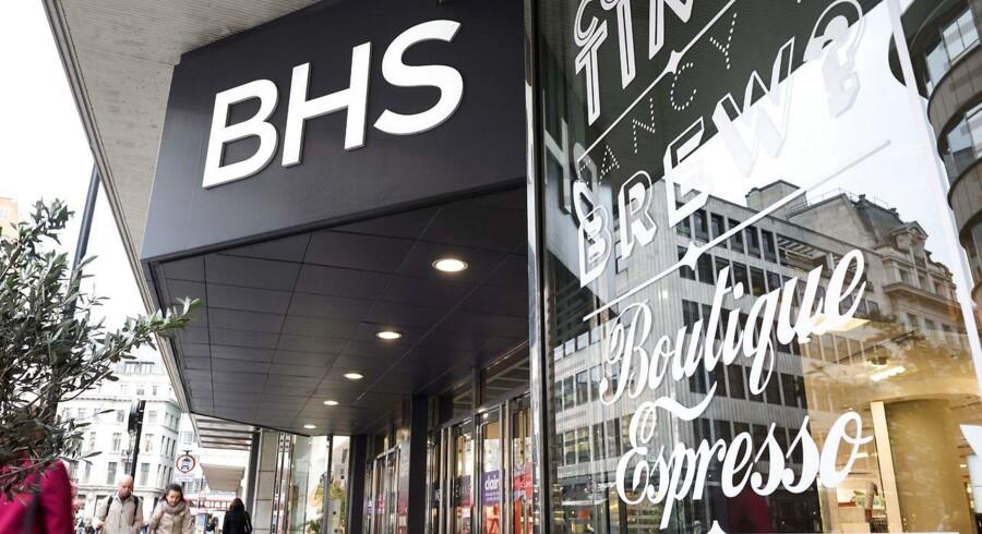 Forretningskæden BHS lukker og slukker efter 90 år på det britiske marked.
