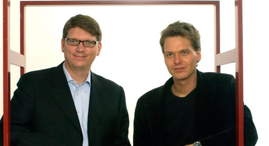 Stemningen mellem amerikanske eBay og Skype-stifterne Janus Friis (th) og Niklas Zennstrom (tv) nærmer sig frysepunktet.