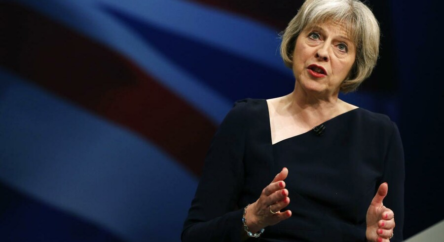 »I en tid hvor kriminelle i stigende grad opererer på tværs af grænserne, hjælper samarbejde med lande i EU os i mødet med den alvorlige migration, politiarbejde og de sikkerhedsmæssige udfordringer, vi står over for,« siger Storbritanniens indenrigsminister, Theresa May, til Berlingske.