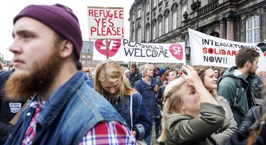Op mod 40.000 var mødt op til demonstration på Christiansborg Slotsplads for at vise deres støtte til flygtninge og migranter.