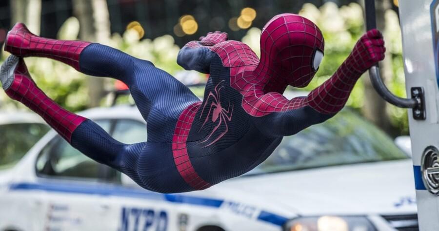 Og han ku' svinge sig: Der er masser af overbevisende actionscener i »The Amazing Spider-Man 2«. Foto: PR.