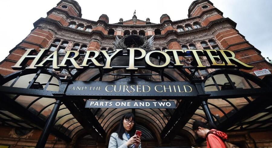 250.000 nye billetter til Potter-forestillingen blev revet væk og nogle dukker nu op til overpriser på nettet.