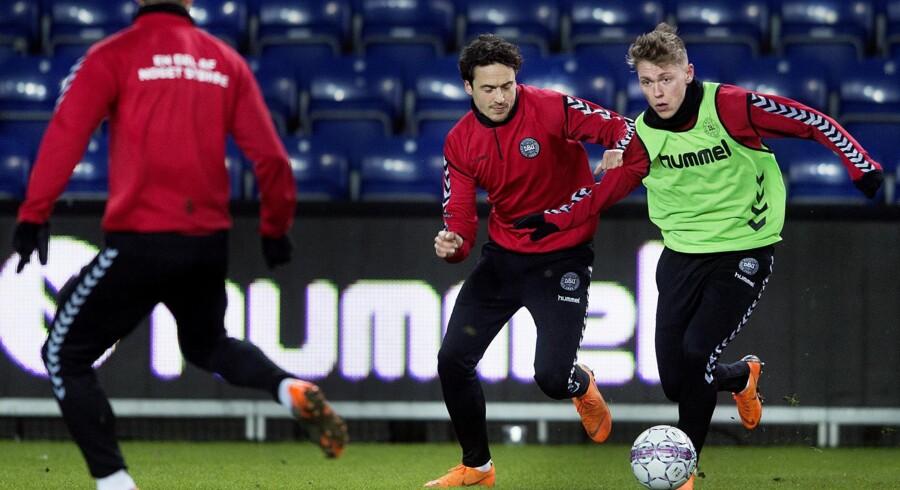 Viktor Fischer var onsdag på det forkerte hold under landsholdstræningen på Brøndby Stadion. Scanpix/Liselotte Sabroe