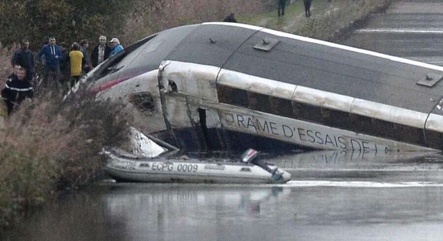 Højhastighedstoget blev afsporet under en testkørsel.