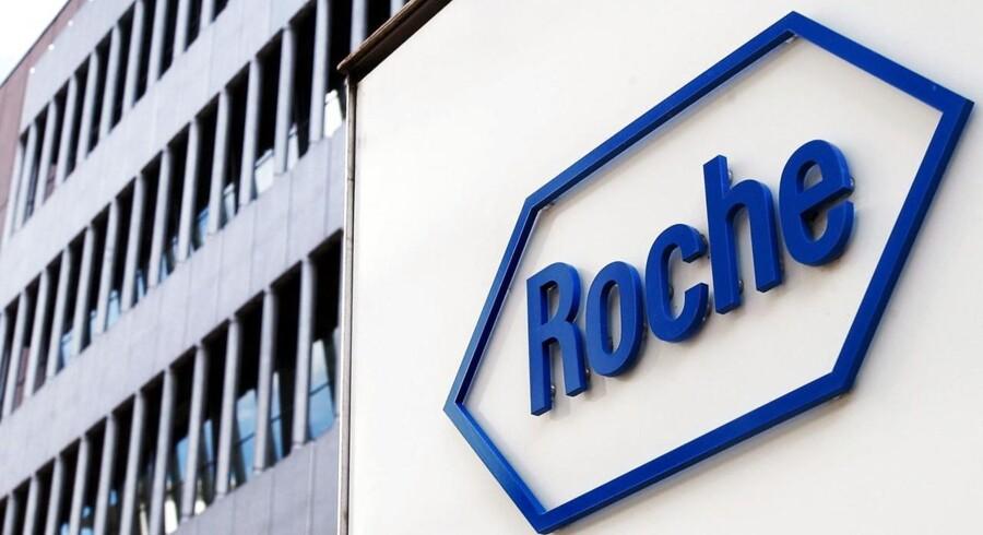 Det schweiziske medicinalselskab Roche leverede resultater helt på linje med det ventede i 2015, hvor både omsætningen og driften flugtede med analytikernes estimater.