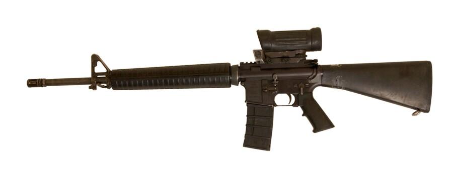 M95 har siden indførslen i 1995 været det danske forsvars standardriffel. Riflen er et automatvåben, der både kan skyde enkeltskud og byger. Riflen vejer 3,2 kilo og er en meter lang.