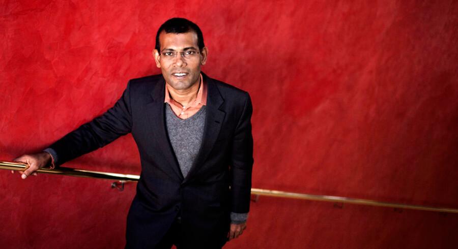 Tidligere præsident på Maldiverne Mohamed Nasheed fik under COP15-topmødet i København en stor stjerne hos mange mennesker, da han kæmpede for en ambitiøs klimaaftale. I dag kæmper han for igen at kunne stille op til præsidentposten i det muslimske ørige. Selv siger han, at han blev afsat i 2012, men store dele af verdenssamfundet mener, at han selv trådte tilbage.