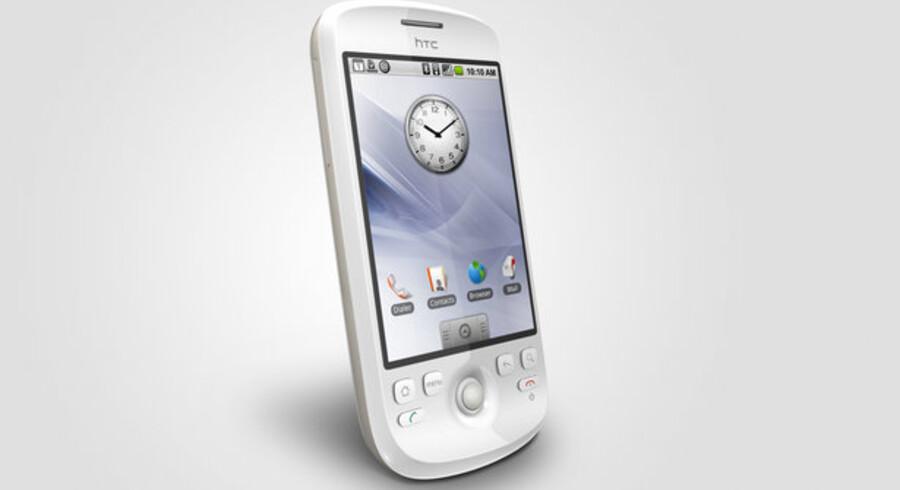 HTC Magic, som kan købes i Danmark fra i dag, onsdag, bruger Googles nye styresystem, Android, med direkte adgang til en række Google-tjenester. Foto: Vivek Prakash, Reuters/Scanpix