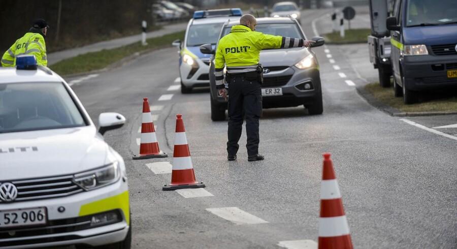 Mandag d.4. januar 2016- - Grænsekontrol ved grænsen i Padborg by. ©2015 Palle Peter Skov