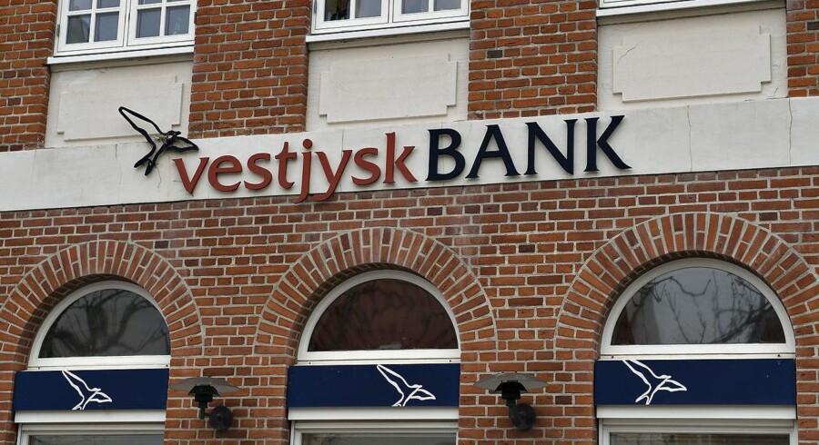 Vestjysk Bank fortsætter arbejdet med at styrke sine kapitalmæssige forhold. Foreløbigt er der dog alene tale om sonderinger og ikke deciderede forhandlinger.