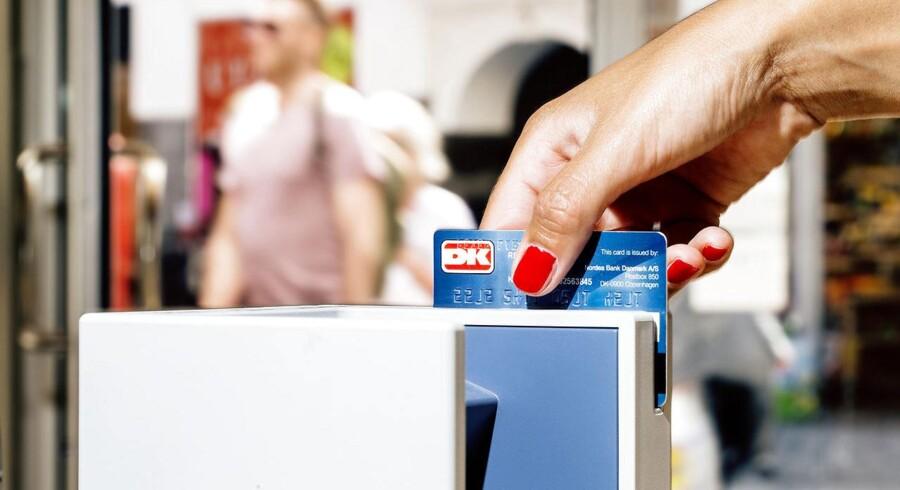 Flere penge til forbrug. Det er det direkte resultat for de danske familier af den rekordlave inflation.