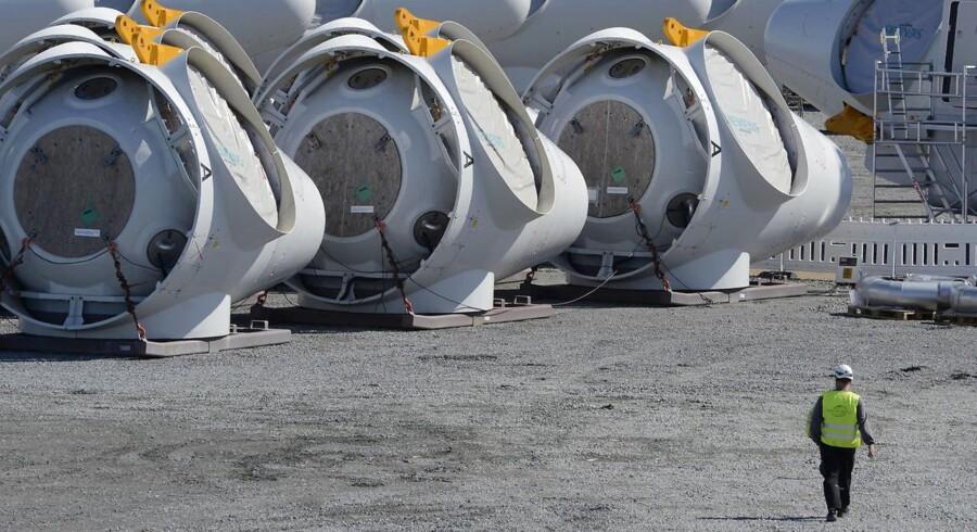 Siemens Wind Power, hvis møller her er fotograferet i Esbjerg, er eftersigende i overvejelser om et bud på spanske Gamesa, der tidligere havde Vestas som storaktionær.