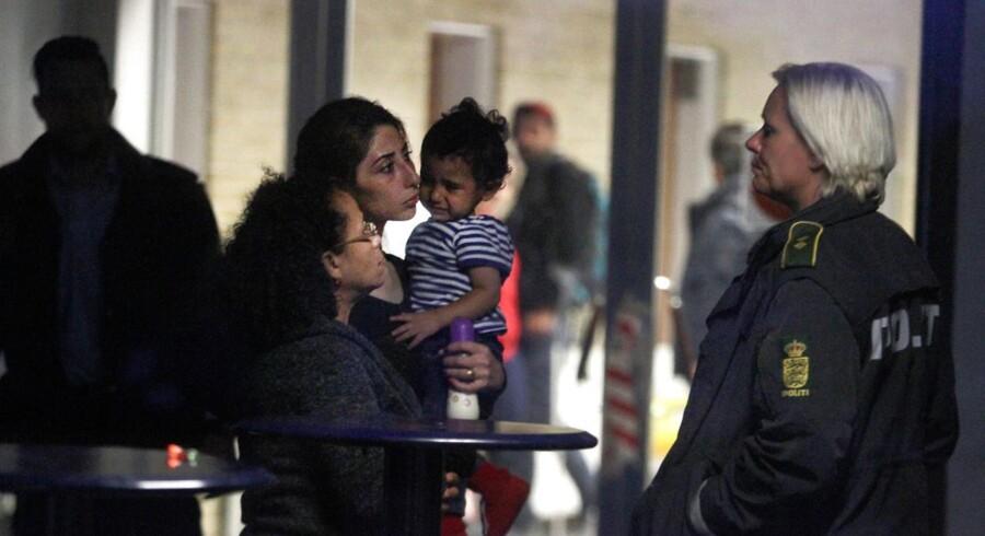 Flygtninge ankommer til Rødby fra Tyskland søndag aften.