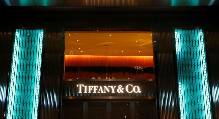 Salget stod stille for den amerikanske juvelerkæde Tiffany & Co. i tredje kvartal af det forskudte regnskabsår 2017/18.