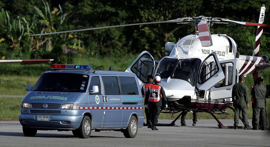 De fem drenge, der indtil videre er reddet ud af grottesystemet, er alle kørt til behandling på sygehuset. REUTERS/Athit Perawongmetha