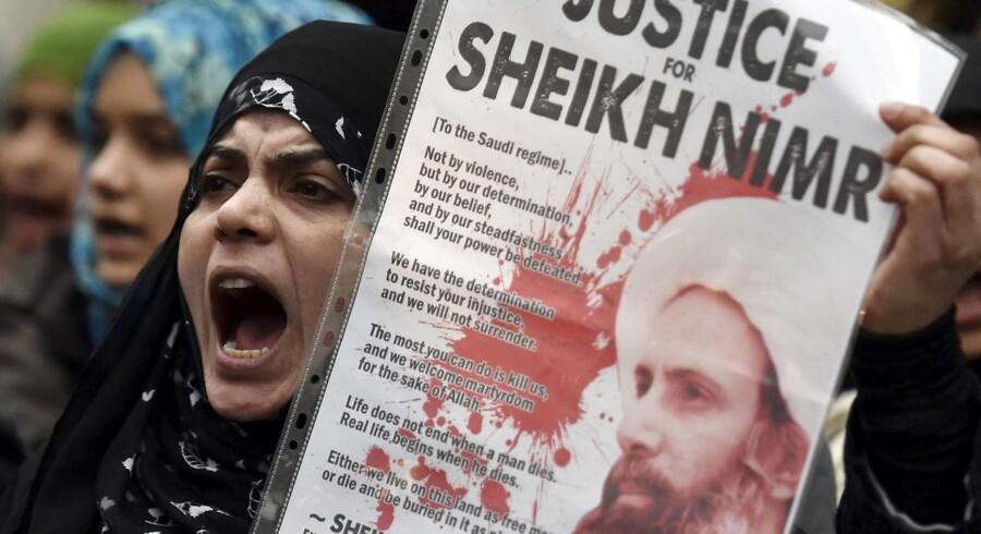 Saudi-Arabien og Iran skændes for åbent tæppe.