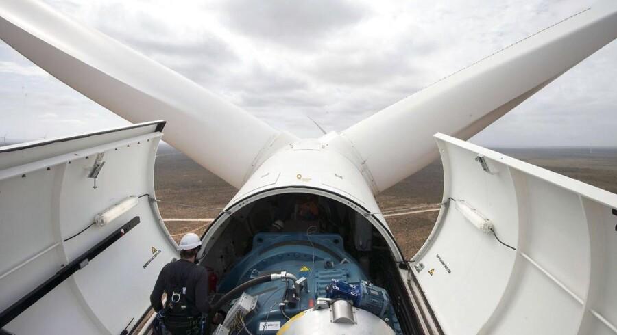 Ifølge branchemediet Recharge News er Vestas-konkurrenten Siemens, som er mangeårig vindmølleleverandør til Midamerican, storfavorit til at vinde ordren om at levere møller til projektet, der er blevet døbt Wind XI. (AFP PHOTO / RODGER BOSCH)