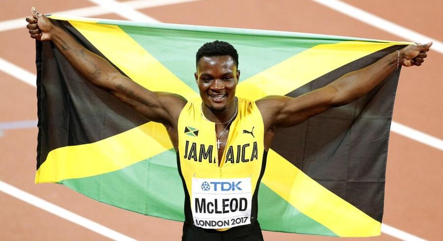 Omar McLeod sikrede jamaicansk VM-guld på 110 meter hæk onsdag aften. - Foto: Reuters/John Sibley