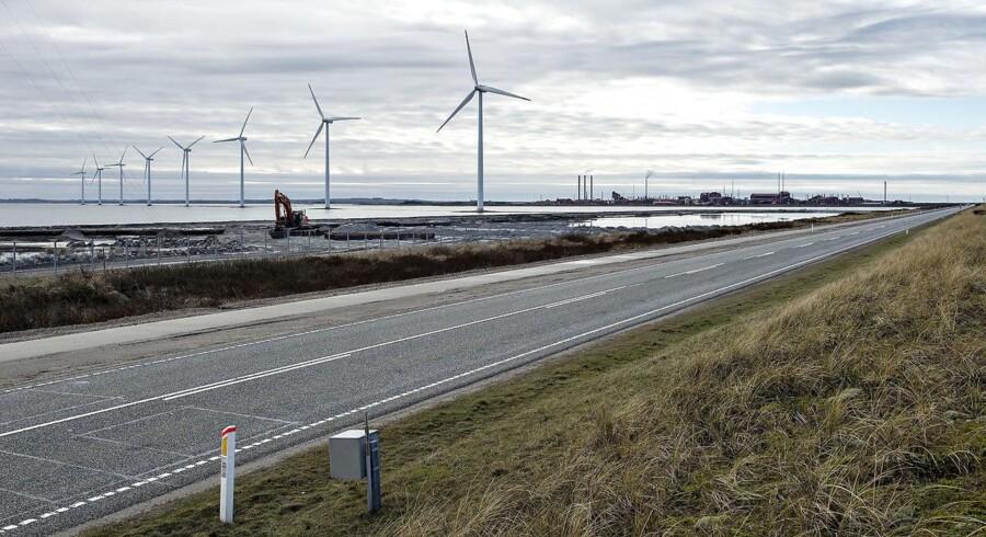 ARKIVFOTO 2016 af vindmøller i Nissum Bredning syd for Thyborøn