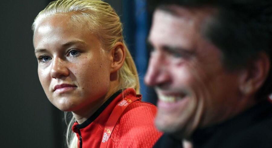 Ærgerligt at DBU ikke har villet forhandle med spillerne, og istedet valgte at aflyse venskabskampen mod Holland, udtaler landsholdet anfører Pernille Harder.