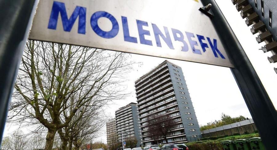 Søndag har belgisk politi angiveligt anholdt yderligere fire personer mistænkt for at være indblandet i terrorangrebene i Paris. De nye anholdelser er dog ikke bekræftet af den belgiske anklagemyndighed.