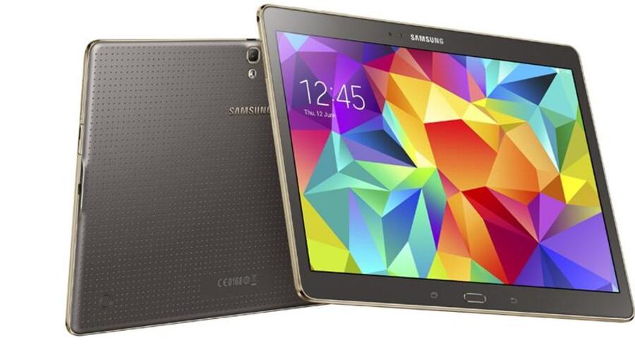 En ombygget udgave af denne Galaxy Tab S fra Samsung får langt højere sikkerhed, efter at den har været i Blackberrys hænder. Arkivfoto: Samsung