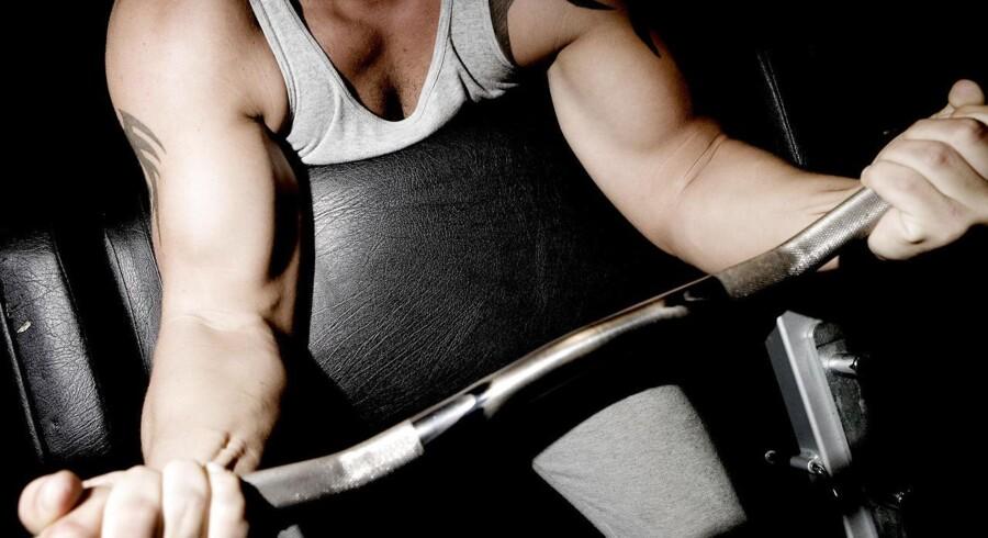 Webshops forhandler ulovlige steroider i stor stil - frit og tilgængeligt for alle. Politiet erkender, at det har svært ved at få bugt med handlen.