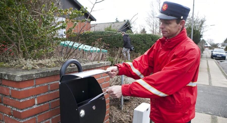 Post Danmark hitter på nettet med en ny kampagne, der skal få unge til at sende flere julekort.