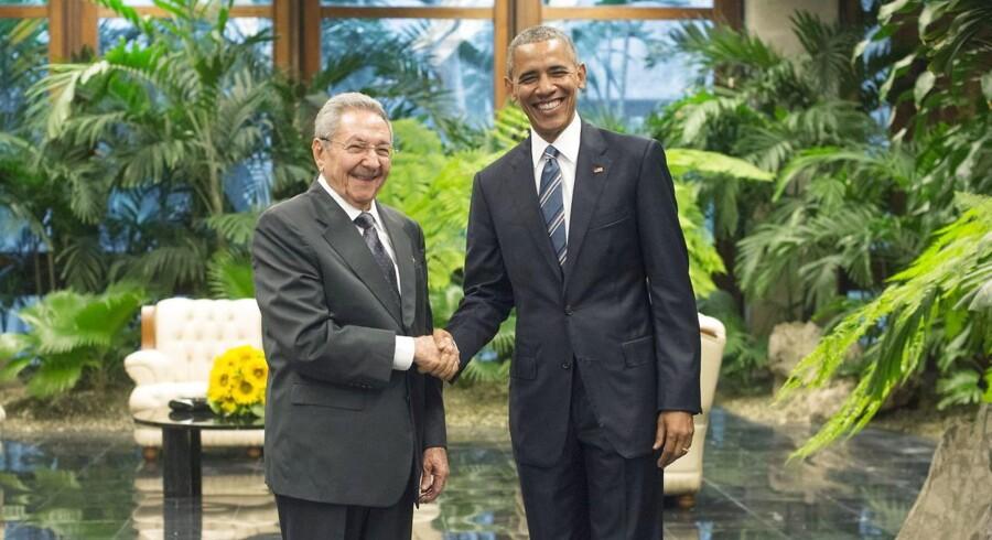 Barack Obama trykkede hånd med Raul Castro og skrev historie.