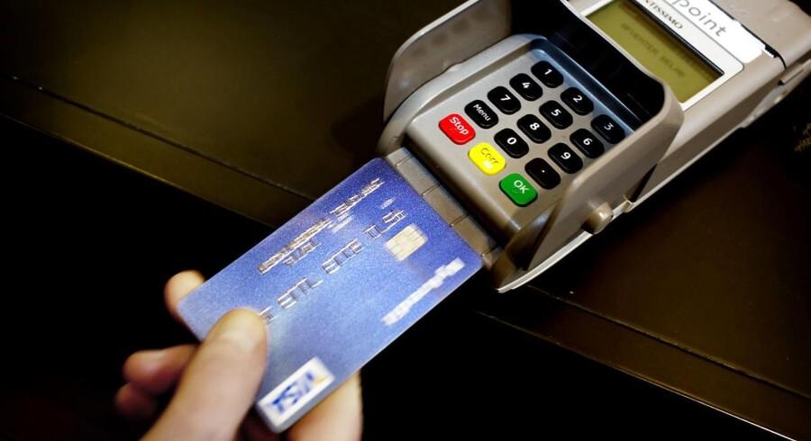 Forbrugerne brugte i stigende grad dankortet i april.