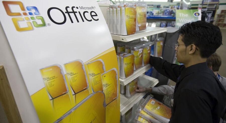 Microsofts kontorpakke Office vil fra næste år kunne bruges over nettet. Foto: Paul J. Richards, AFP/Scanpix