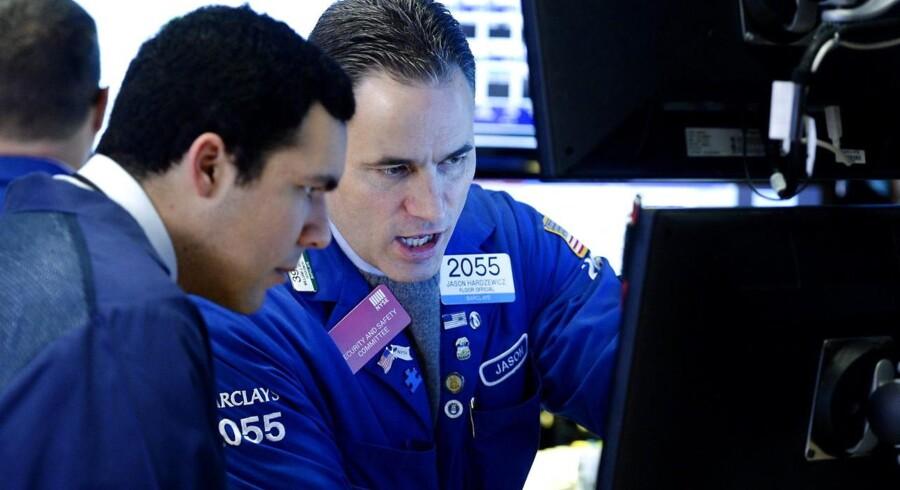 Chr. Hansen-aktien er eneste søde ingrediens blandt eliteaktierne i torsdagens syrlige aktiemarked, hvor den negative udvikling i USA onsdag aften har reduceret de europæiske investorers appetit på aktier.