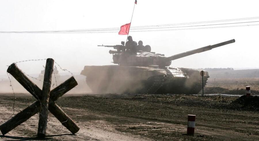 Prorussiske separatister i kampvogn omkring 75 kilometer fra Donetsk.