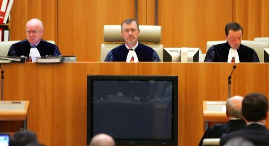 Med den danske dommer Bo Vesterdorf (midtfor) som retsformand fastholdt EF-Domstolen i september 2007 milliardbøden til Microsoft. Nu risikerer selskabet endnu en straf. Foto: François Lenoir, Reuters/Scanpix