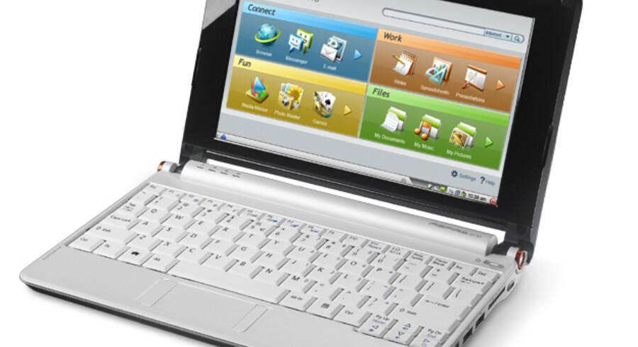 De nye mini-PCer kom først på markedet i sommerferien og har siden udviklet sig til en stor salgssucces. Her er det Acers bud, en Aspire One med Linux som styresystem, så maskinen kan tændes og slukkes lynhurtigt. Foto: Acer