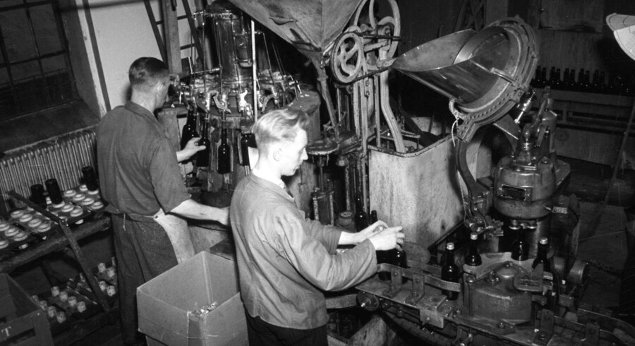 Det er nu slut med produktion af spiritus i Aalbrog.De Danske Spritfabrikker startede allerede i 1881. I 1893 indslusede man brænderiet Brøndum, og i 1923 ejede De Danske Spritfabrikker samtlige brænderier i Danmark. I 2008 var det slut, da man solgte til den franske spiritusproducent Pernod Richard, og nu er norske Arcus Gruppen ejer. Fabrikken i Aalborg lukkede endegyldigt mandag den 20. april 2015.